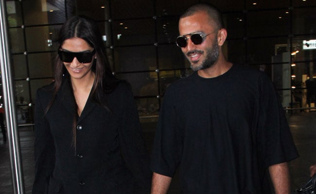 Sonam Kapoor And Anand Ahuja Are The Couple That Twins Together And Wins Together
