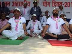 बिहार में योग दिवस पर साथ-साथ दिखे पासवान-कुशवाहा, सरकारी आयोजन से नीतीश रहे नदारद